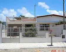 CASA PERUÍBE, 3 QUARTOS, PROX. AO CENTRO E PRAIAS