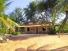 CASA COM 5 SUITES NA PRAIA DE LAGOINHA-CEARÁ