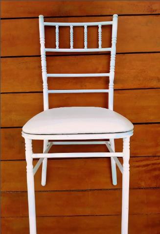 <Aluguel Cadeira Tiffany Branca em Indaiatuba, Salto, Itu, Itupeva - SP