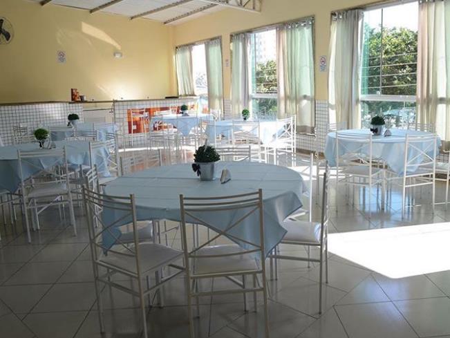 Aluguel de Mesa Redonda com Cadeiras de Ferro na Freguesia do Ó, Santana, Bairro do Limão
