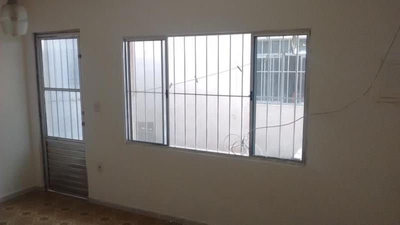<Aluguel de Casa com 1 Quarto na Rua Engenheiro Antônio Luís Ippólito - Vila Dalila