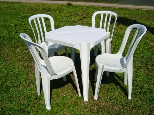 Mesas e Cadeiras para convidados