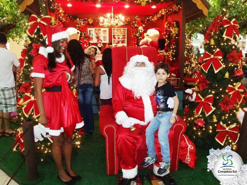 <Tronos Papai Noel em Alphaville Industrial