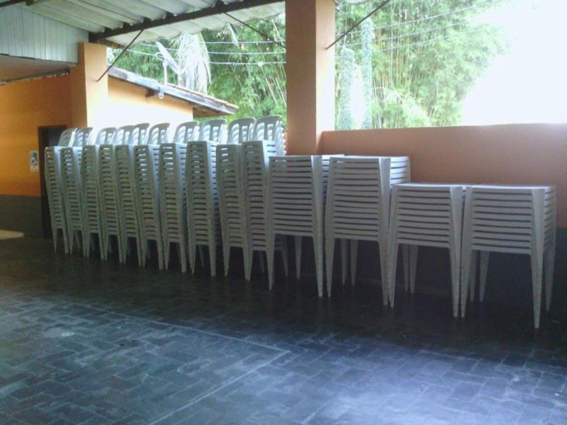 Jogo de Mesas e Cadeiras em Caraguatatuba SP