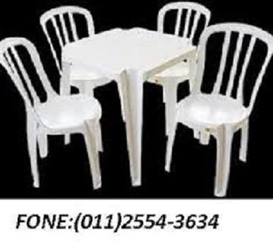 Jogo de Mesas e Cadeiras na Zona Leste SP