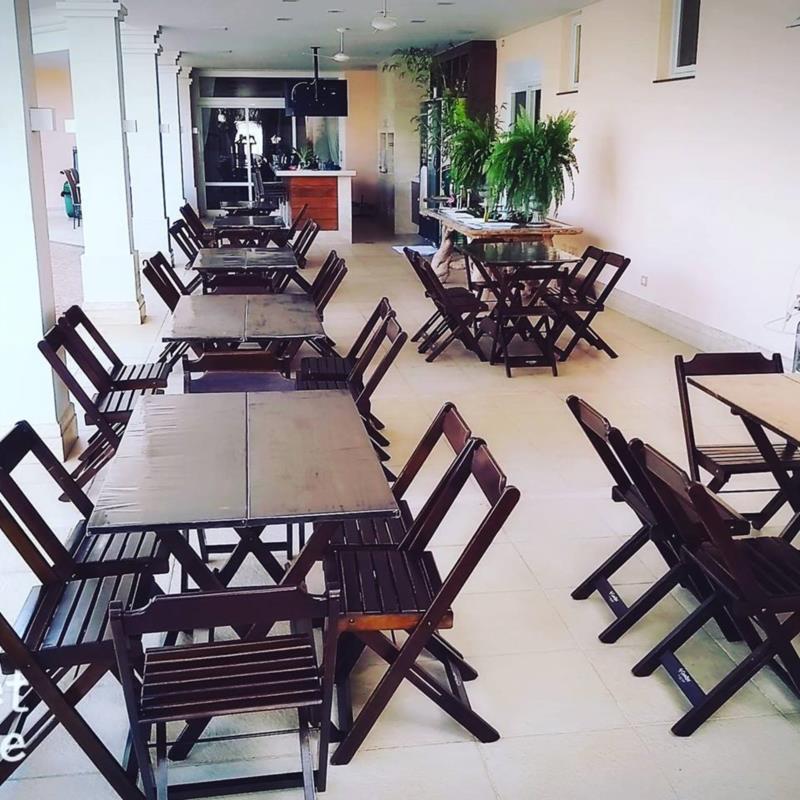 <Aluguel Mesas e Cadeiras de Madeira em Londrina - PR