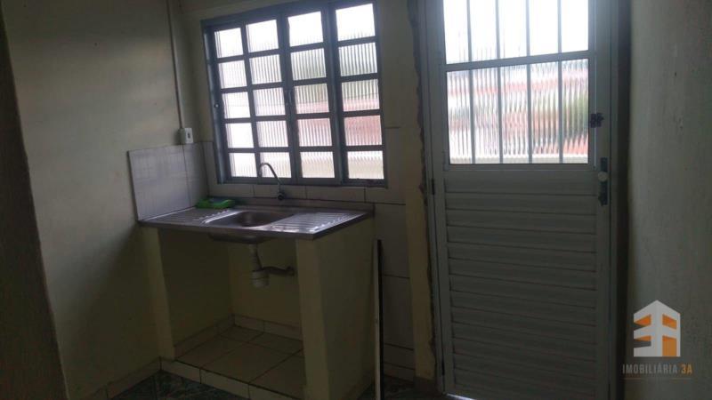 <Sobrado com 1 dormitório para alugar, 31 m² - Campinho - Guaratinguetá/SP