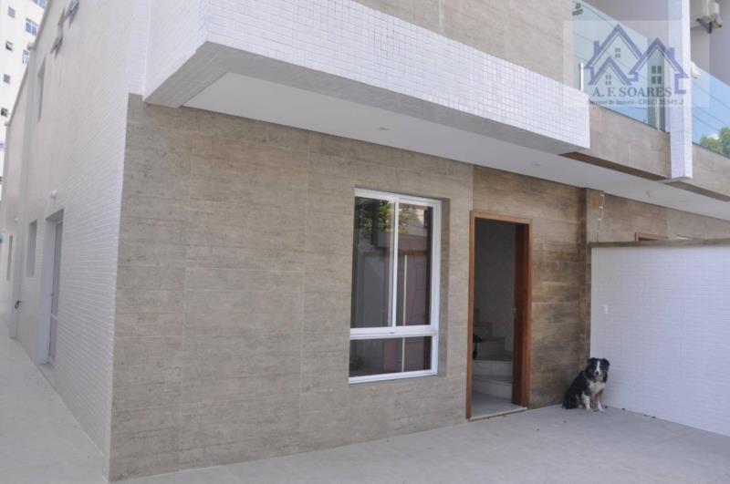 <Vendo lindo sobrado de 180m2, com 4 dormitórios, 3 suites, 2 vagas, 5 banheiros novinha na Aparecida