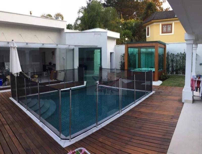 <Linda casa muito bem localizada no residencial Morada dos Pássaros.