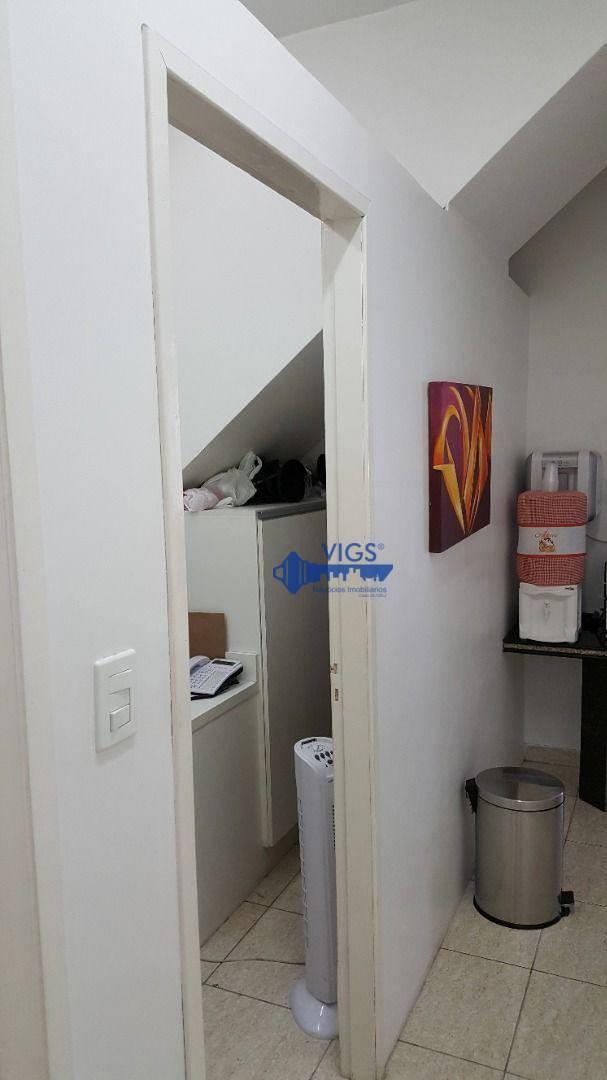 <Sobrado com 6 dormitórios para alugar, 220 m² por R$ 10.000,00/mês - Jardim - Santo André/SP