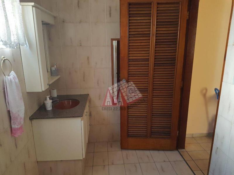 <Casa no Central Parque com 3 dormitórios, sendo um suite, piscina, área gourmet e edicula