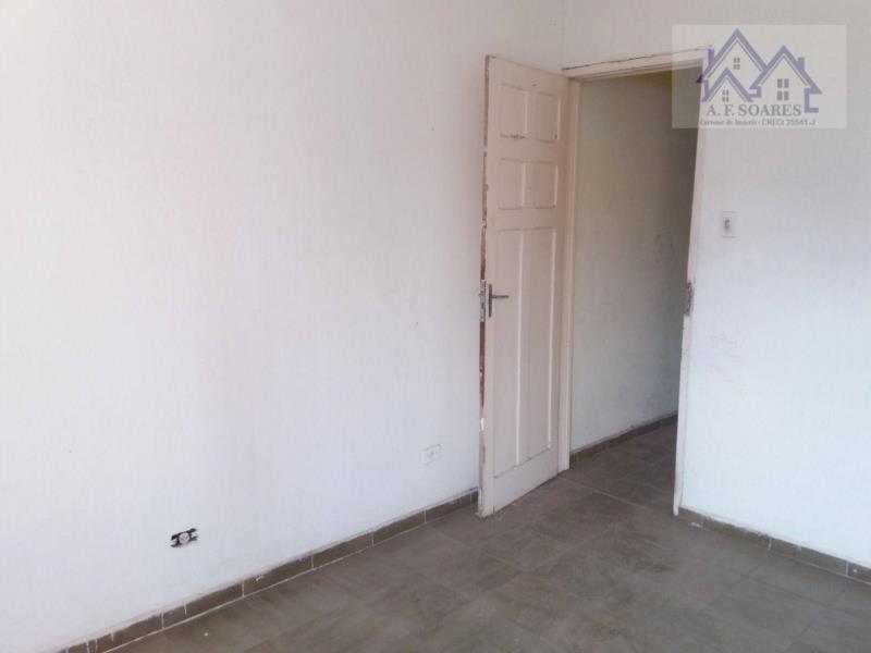 <Aluga-se imóvel 3 dormitórios, em cima de comércio, no bairro do Gonzaga, em Santos/SP