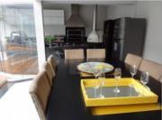 Linda casa muito bem localizada no residencial Morada dos Pássaros.